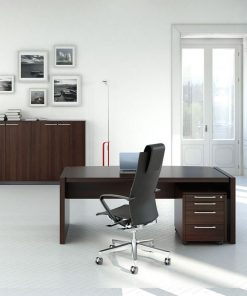 Status -Executive Desk
